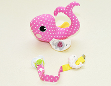 Комплект Мека играчка Китче и Лента за биберон в розово