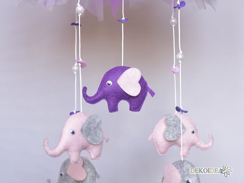 """Висулка за кошара """"Слончета"""" с Поставка за закрепване"""